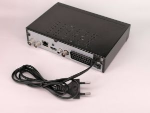 DVB-T2 Hevc/H. 265 Receivers with RJ45 and Supports IPTV Channels pictures & photos