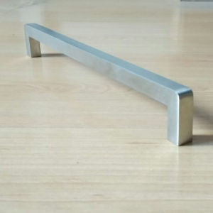 Solid Stainless Steel Cabinet Handle (RS052) pictures & photos