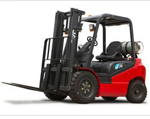 EPA Standard 2.5ton Gasoline Forklifts pictures & photos