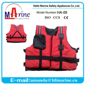 Red Color Water Sports Canoe and Kayak Life Jacket pictures & photos