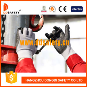 Ddsafety 2017 Grey Nylon Coated Nitrile Mini Dots with Ce Safety Gloves pictures & photos