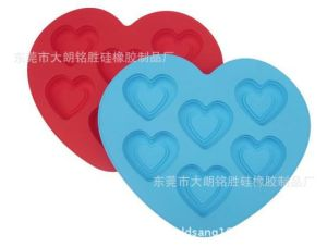 Food Grade Silicone Heart Cake Mould pictures & photos