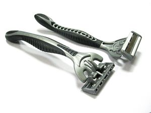 Professional Manufacturer of Four Blade Disposable Razor (SL-5011FL) pictures & photos
