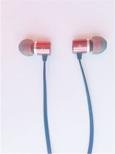 Fashionable Mobile Phone Earphone Stereo Metal Earphone From China Factory pictures & photos