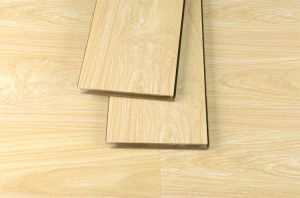 Waterproof/Thermal Insulation Laminate Flooring for Living Room pictures & photos