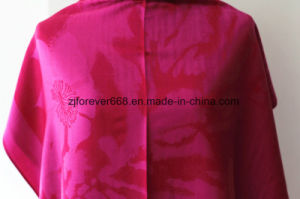 2016 Fashion Hot Selling Women′s Jacquard Scarf pictures & photos