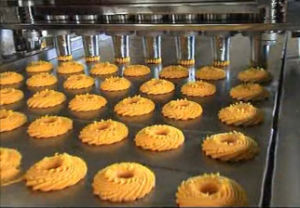 Automatic Cookies Cake Making Machine pictures & photos