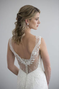 New Arrival Beautiful Beaded Lace Fishtail and Front Split Wedding Dress with a Sheer Silk Chiffon and Lace Skirt pictures & photos