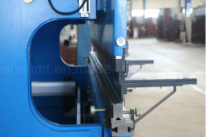 Hydraulic Press Brake/CNC Press Brake (Delem DA52) pictures & photos