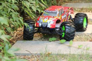 1: 8 Scale and Gas Power Nitro Gas RC Car pictures & photos