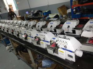 Br-747/747f 4 Thread Overlock Industrial Sewing Machine Good Price pictures & photos