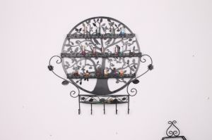 Metal Wrought Nail Polish Wall Display pictures & photos