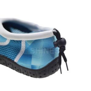 Line Print Men Beach Aqua Shoes pictures & photos