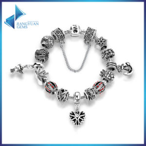 Openwork Snowflake Heart Pendant Anchor Safety Chain Bracelets pictures & photos