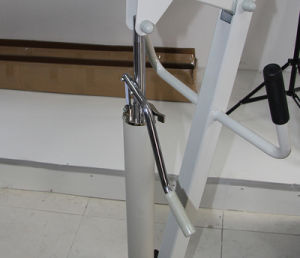 Leg Adjustable Hydraulic Patient Lift pictures & photos