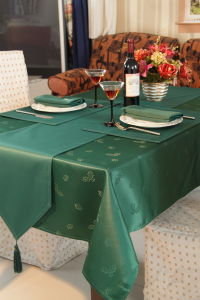 Table Runner pictures & photos