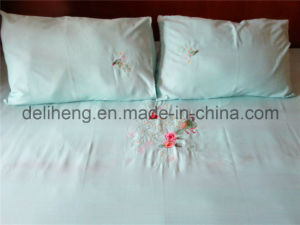 3PCS Embroidered 100% Microfiber Polyester Plain Dyed Bedsheet Set pictures & photos