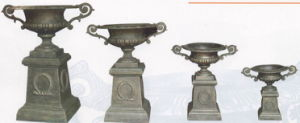 Cast Iron Urn with Handle on Pedestal pictures & photos