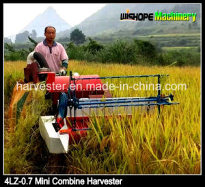 Single  Cylinder Direct  Injection Engine 4lz-0.7 Mini Rice Harvester pictures & photos
