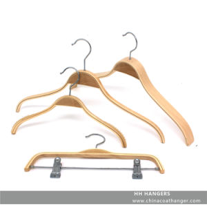 Custom Baby Hanger Wooden Clothes Hangers for Jeans pictures & photos