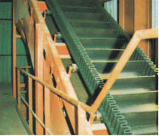 Raised Edge Conveyor Belt pictures & photos