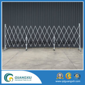 Aluminum Movable Temporary Fence with Wheels pictures & photos