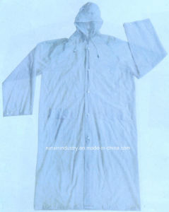 0.12mm Hooded Long PVC Raincoat R9035 pictures & photos