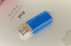 Bulk Cheap Promotional Gift 64 GB USB Flash Drive with Customized Logo pictures & photos