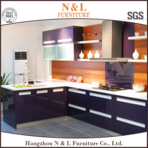 Melamine, High Gloss Lacquer, PVC, Solid Wood Kitchen Cabinet pictures & photos
