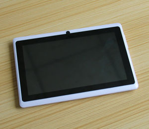OEM 8GB 7 Inches Android Q88 A33 Touch Tablet PC with Dual Cameras and Big Speaker pictures & photos