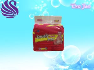 Light and Smooth Absorption Baby Diaper pictures & photos