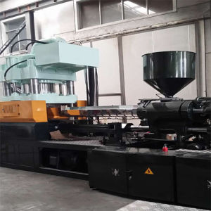 High Efficiency Sports Equipment Injection Molding Machine