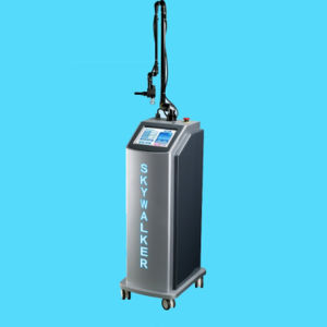 Glass Tube Medical and Beauty Salon Equipment Fractional CO2 Laser pictures & photos