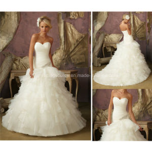 Real Sample Pleated Satin Wedding Gown off-Shoulder Ruffle Bridal Dress pictures & photos