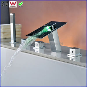China Bathroom Bath&Shower Faucet Bathtub LED Faucet (FD15300F) pictures & photos