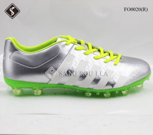 Hot Style Men Outdoor Soccer Shoes pictures & photos
