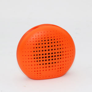 2017 New Music Waterproof Portable Mini Bluetooth Wireless Speaker pictures & photos