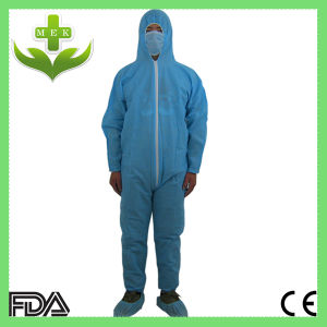 China Xiantao White PP Non Woven Single Use Coverall pictures & photos