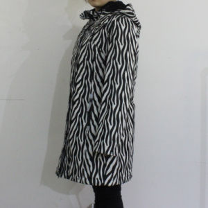 Black and White Wave Hooded PVC Raincoat for Woman pictures & photos