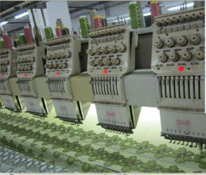 2016 Computerized Embroidery Machine with Touch Screen Computer for Cloth pictures & photos