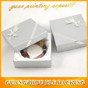 Fashion Ribbon Bow Satin Liner Custom Design Gift Box for Bracelet pictures & photos