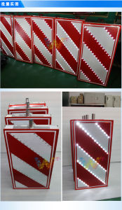 Aluminum Solar Powered Flashing Road Sign Board LED Traffic Sign pictures & photos