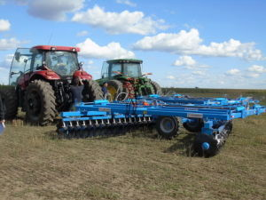 Folding Hydraulic Offset Disc Harrow for Sale pictures & photos