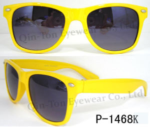 Best Selling Fashionable Plastic Sunglasses with 100% UV400 Protection CE FDA
