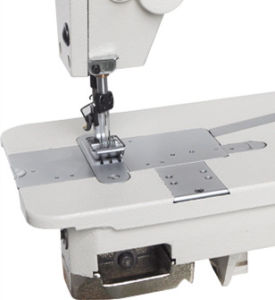 WD-0058 Three Needle Chainstitch Sewing Machine pictures & photos