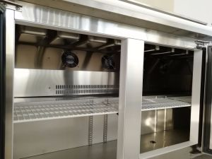 Stainless Steel Three Door Pizza Counter Workbench Table Refrigerator pictures & photos