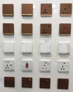 2015 New Design British Standard Luxury Switches and Sockets pictures & photos