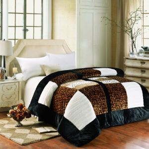 2015 New Design Luxury Patchwork Quilt Bedding Set (SH4070-8)