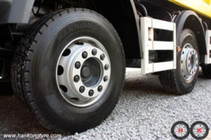 Heavy Truck Tyre Traction Tyre Forklift Trucks Tyres pictures & photos