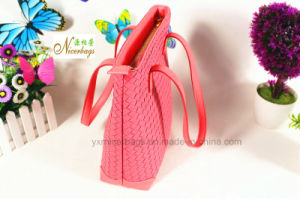 2016 Wholesale Top Quality Woven Pattern PU Hand Bag pictures & photos